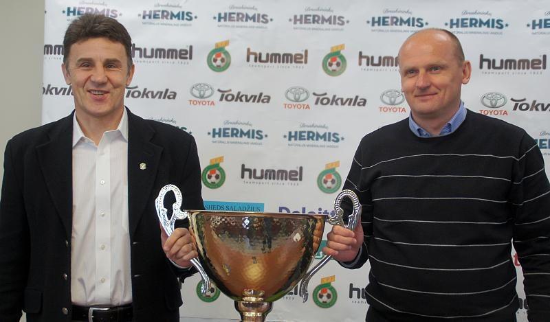 Lietuvos politikai iš šalies futbolo vys korupcijos šleifą