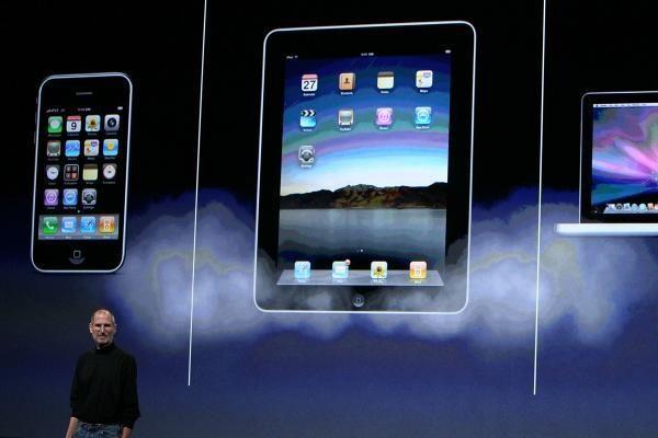 """""""iPad"""" kompiuteris – kovoje su kitais elektronikos prietaisais"""