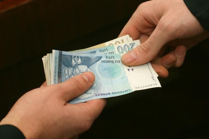 Teismui perduota 1,5 mln. litų mokesčių pasisavinusių sukčių byla