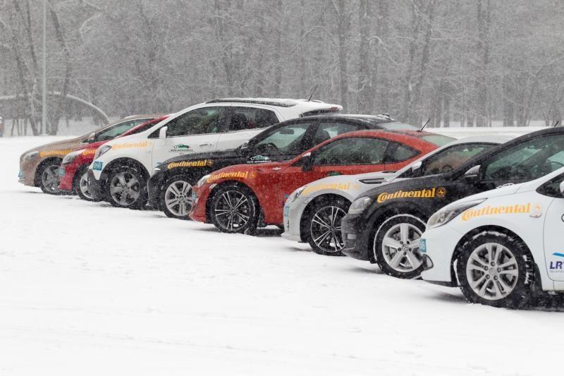 Latvijoje šiemet įsigyta mažiau naujų automobilių