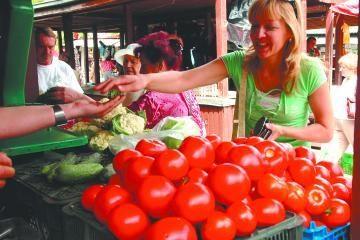 Nežymiai atpigo žemės ūkio produktai