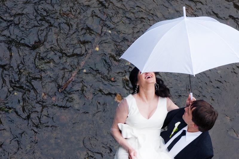 Amerikietė už meksikiečio ištekėjo upėje tarp dviejų valstybių