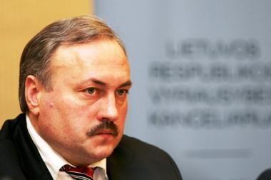 Teismas pradėjo nagrinėti atleisto iš pareigų Seimo kanclerio skundą