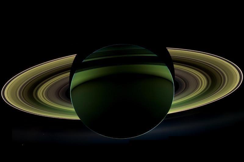 """Kas nutiko Saturnui? """"Cassini"""" atsiuntė nematytą planetos nuotrauką"""