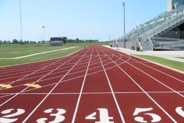 Startuoja moksleivių lengvosios atletikos varžybos
