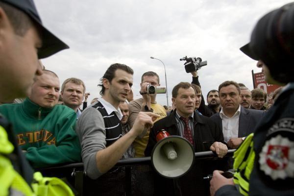 Į Seimo darbotvarkę grįžta klausimas dėl P.Gražulio ir K.Uokos neliečiamybės