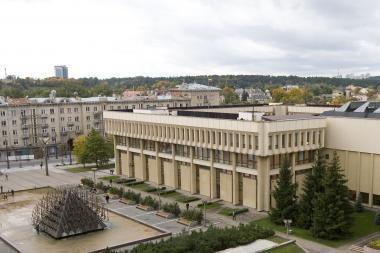 Ar Lenko kortą turintys politikai gali prisiekti Lietuvai?