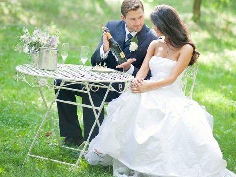 V.Macijauskienės vestuvinės suknelės kaina aukcione - nuo 3500 Lt