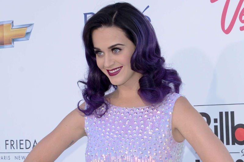 Dainininkė Katy Perry išsiskyrė su savo vaikinu