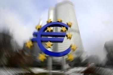 Nerimas dėl euro zonos žemyn nuleido žaliavų kainas