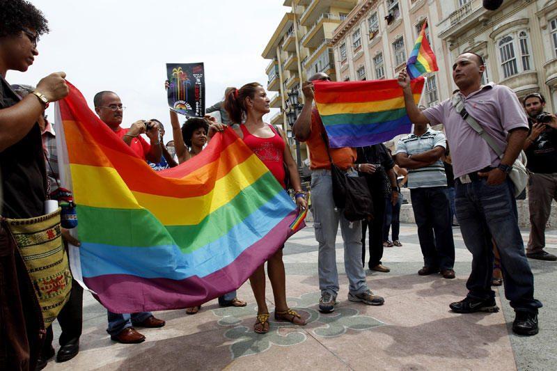 Slovėnai atmetė pasiūlymą suteikti daugiau teisių gėjų poroms