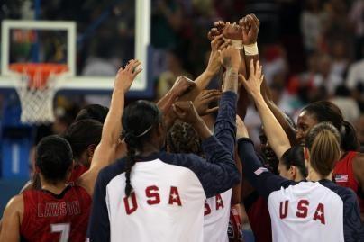 Moterų krepšinio finale – JAV ir Australija