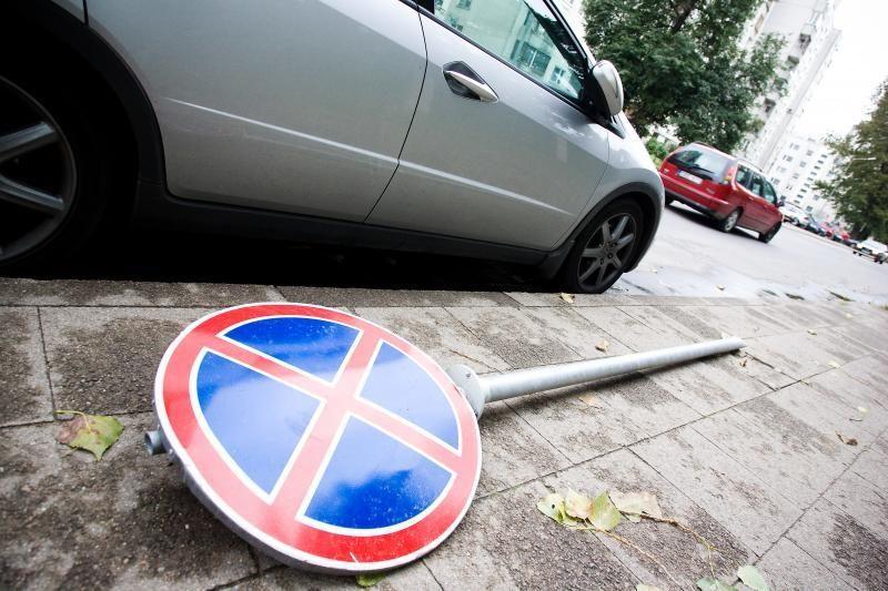 Apmokestintos įmonėms priklausančios automobilių stovėjimo vietos