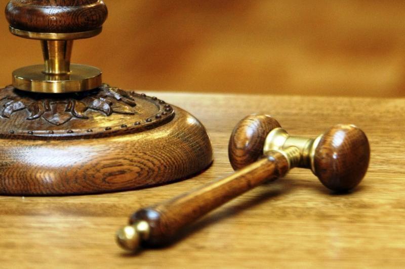Į teisiamųjų suolą sės du buvę Pakruojo policininkai