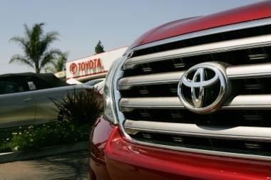 Rugpjūtį pirkta trečdaliu mažiau naujų automobilių
