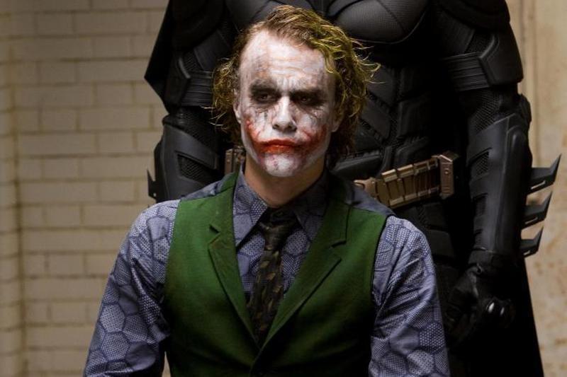 Christianas Bale'as nenulaikė ašarų prisimindamas Heathą Ledgerį