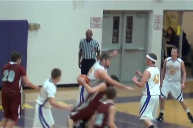 Krepšinis - nekontaktinis žaidimas? Pagalvokite dar kartą