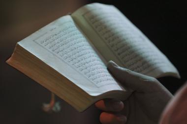 Šokis su Koranu sukėlė politinę audrą