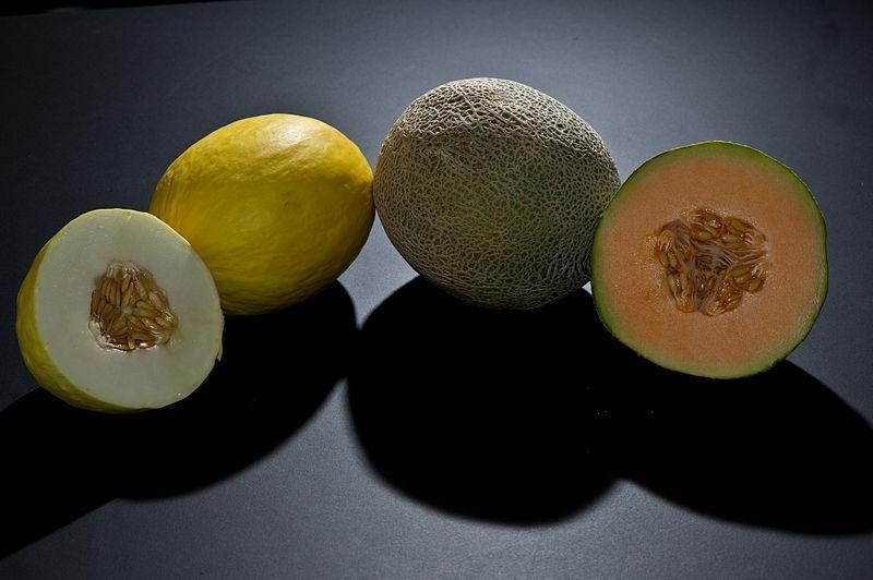 Japonijoje dviejų melionų rinkinys nupirktas už 12,5 tūkst. dolerių