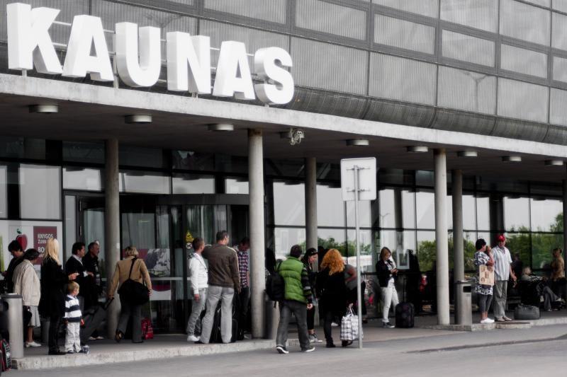 Keleivių skaičius Kauno oro uoste pernai išaugo beveik dešimtadaliu