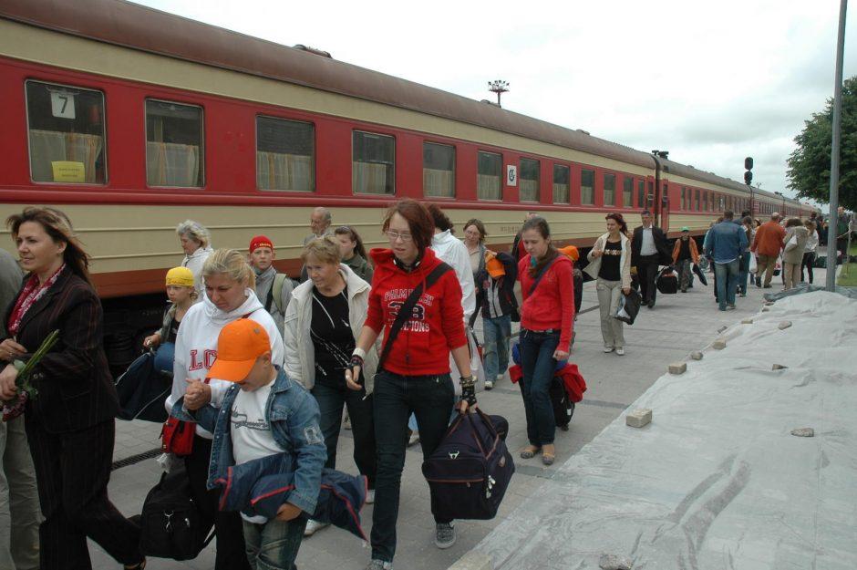 Jaunimas raginamas važinėti traukiniais