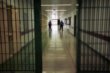 Kalėjime pasikorė aštuoniolikmetis