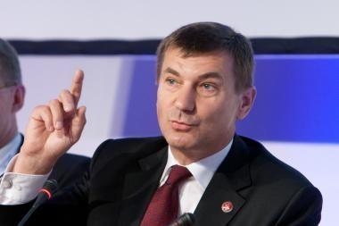 Baltijos šalys nesutaria dėl regioninio suskystintų dujų terminalo