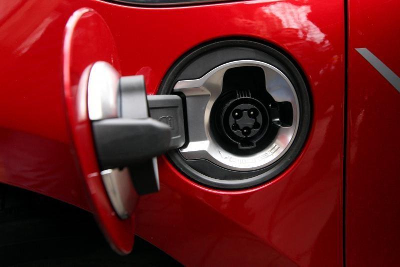 Verslininkų ambicijos – krovininiai automobiliai, varomi vien elektra