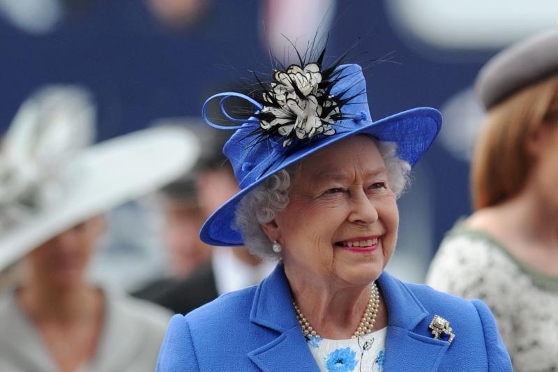 Elizabeth II valdymo jubiliejaus iškilmėse stebėjo lenktynes