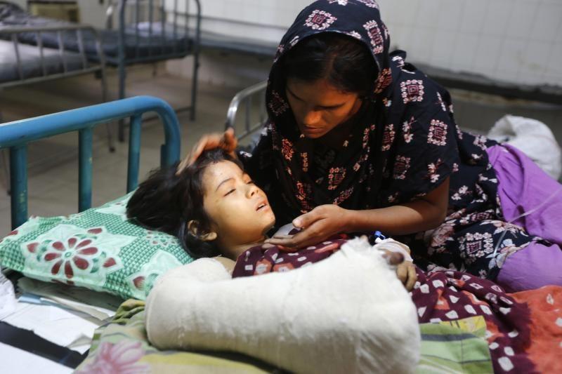 Nelaimės Bangladeše aukų skaičius pasiekė 304 (atnaujinta)