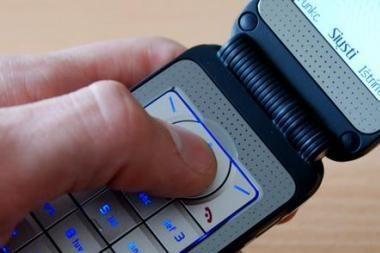 Kontrabandinius degalus vilnietis siūlė SMS žinutėmis