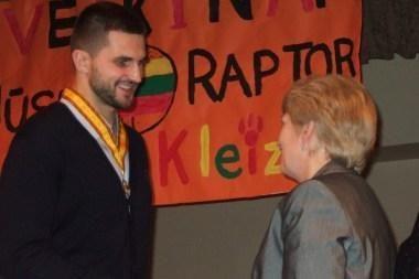 L.Kleizai įteiktas garbingas apdovanojimas