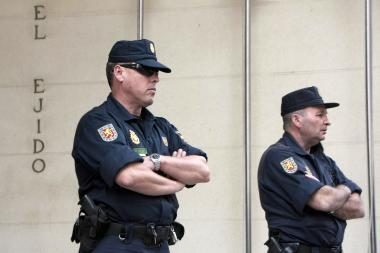 Ispanijoje – neoficialus kelių policininkų streikas