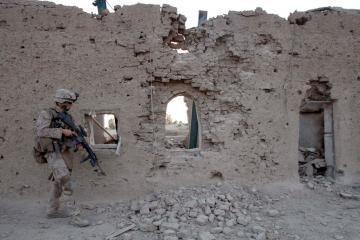 Afganistane sunkiai sužeistas Estijos kariškis