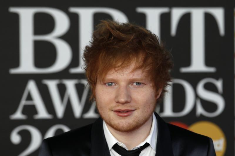 """E. Sheeranas per """"Brit Awards"""" pametė savo telefoną"""