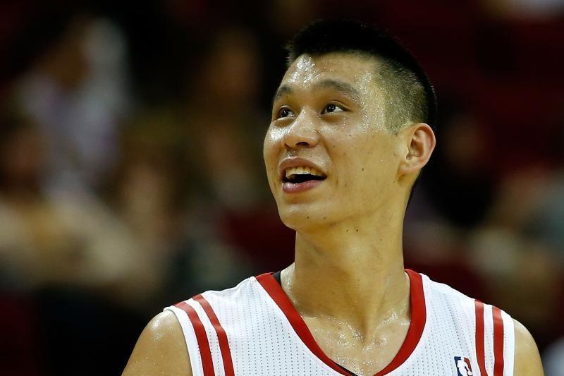 """Rockets"" vieną po kito gerino NBA rekordus, D.Motiejūnas pelnė 5 tšk."