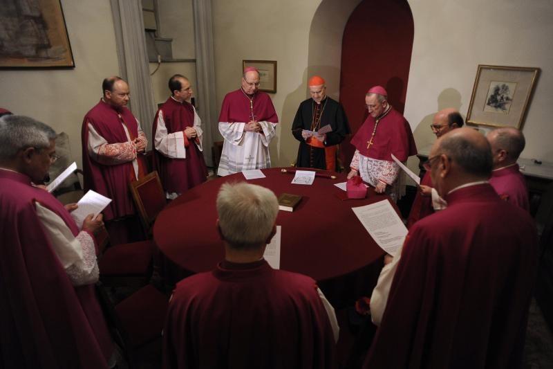 Kardinolai retu Katalikų Bažnyčios tarpuvaldžiu kalba apie reformas