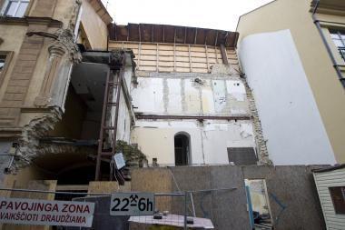 Siekiama paspartinti sprendimą dėl griuvusio namo Šiaulių g.