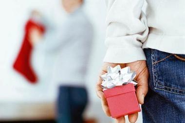 Kokių dovanų geriau nedovanoti merginai?