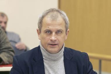 Įtariamasis auksinio tualeto byloje ieško užtarėjų Seime