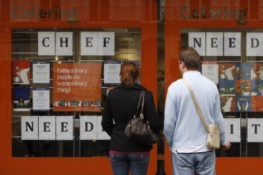Didžiojoje Britanijoje sparčiai didėja nedarbas