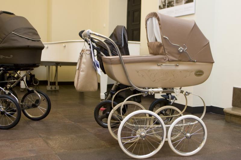 Marijampolėje kūdikis galimai iškrito iš neblaivios motinos rankų