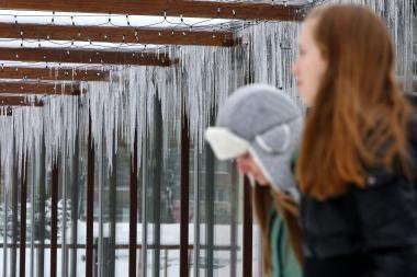 Varveklius ir susikaupusį sniegą turi pašalinti namų savininkai