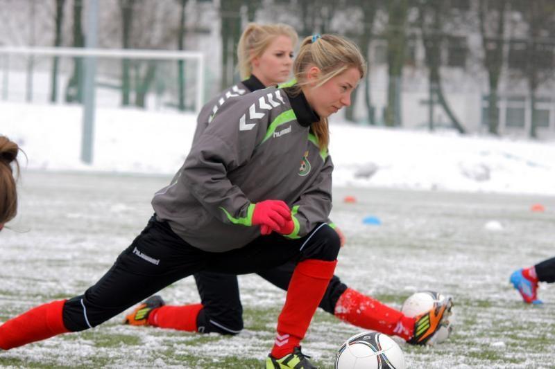 Lietuvos futbolo garbę pasaulyje gelbės moterų rinktinė