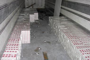 Klaipėdietis bandė įvežti kontrabandinių rūkalų