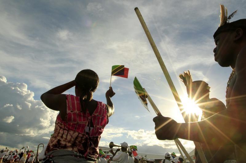 Tanzanijoje sugriuvus statomam pastatui žuvo 15 žmonių