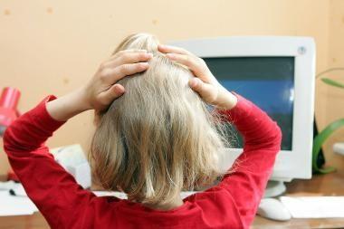 """Tyrimas: tėvai tikrina vaikų """"Facebook"""" profilius"""