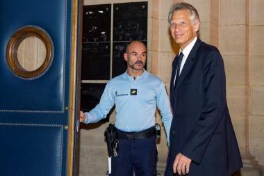 Prancūzijos amžiaus teismas: D.Villepinas išteisintas šmeižto byloje prieš N.Sarkozy