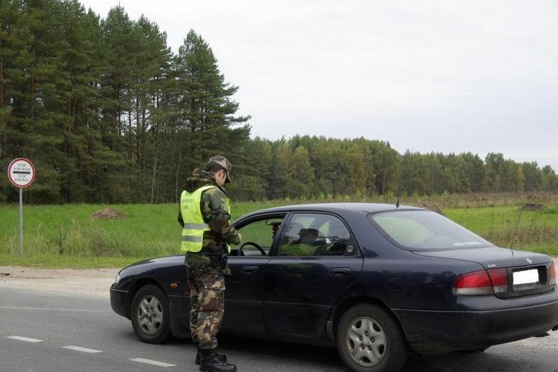 Lazdijų pasieniečiai sulaikė du Švedijoje vogtus keturračius