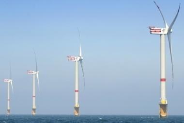 Planuojamos vėjo jėgainės gali trukdyti stebėti oro erdvę, teigia kariškiai